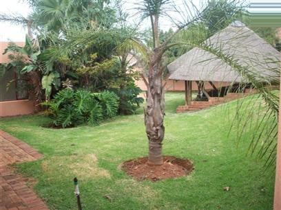 3 Bedroom House to Rent in Roodekrans - Property to rent - MR37365