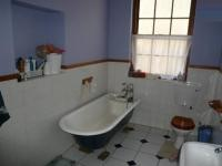 Bathroom 1 - 9 square meters of property in Paarl