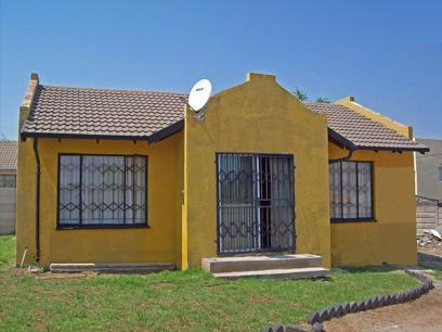 2 Bedroom House for Sale For Sale in Midrand - Private Sale - MR37423