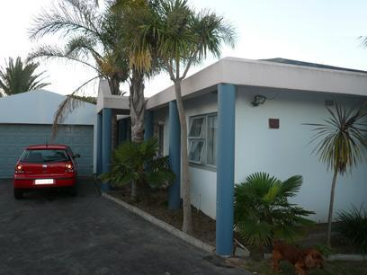 4 Bedroom House for Sale For Sale in Kraaifontein - Private Sale - MR37470