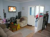 Lounges - 15 square meters of property in Kraaifontein