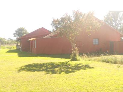 Standard Bank Repossessed 4 Bedroom House for Sale For Sale in Krugersdorp - MR37512
