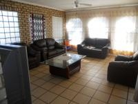 Lounges - 37 square meters of property in Boksburg