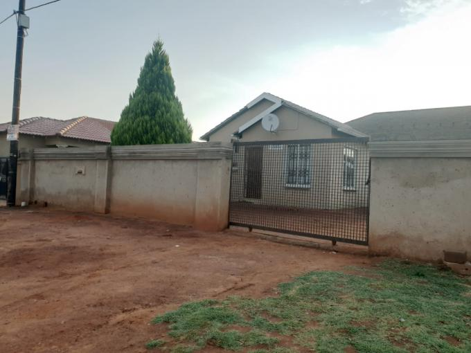 3 Bedroom House for Sale For Sale in Protea Glen - MR377649