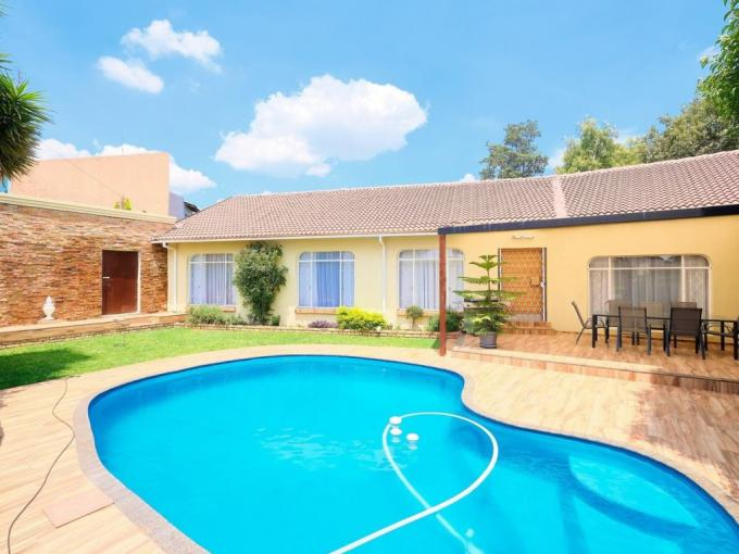 4 Bedroom House for Sale For Sale in Bergbron - MR379064