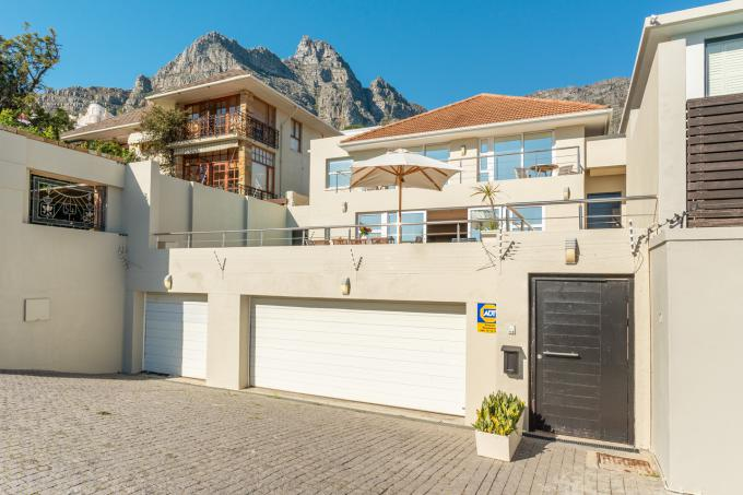House for Sale For Sale in Camps Bay - MR379554