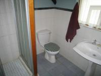 Bathroom 1 - 5 square meters of property in Waterkloof