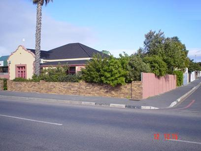 4 Bedroom House For Sale in Strand - Home Sell - MR38275