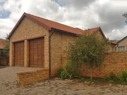 3 Bedroom Simplex for Sale For Sale in Ruimsig - Private Sale - MR38293
