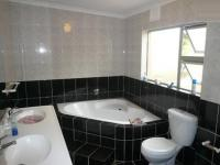 Bathroom 1 - 1 square meters of property in Goodwood