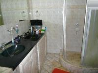 Bathroom 1 - 6 square meters of property in Montana