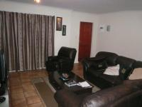 Lounges - 23 square meters of property in Parklands