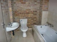 Main Bathroom - 2 square meters of property in Bruma