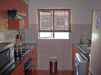Kitchen - 9 square meters of property in Kew