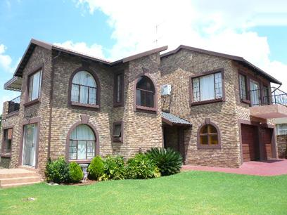 4 Bedroom House for Sale For Sale in Highveld - Private Sale - MR38450