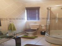 Bathroom 2 of property in Roodepoort