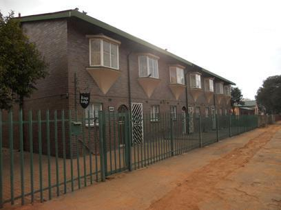 Standard Bank Repossessed 2 Bedroom Simplex for Sale on online auction in Germiston - MR38488