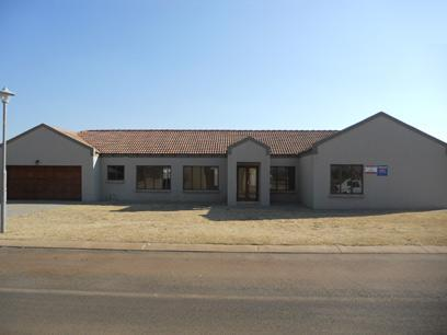 Standard Bank Mandated 3 Bedroom House for Sale on online auction in Monavoni - MR38506