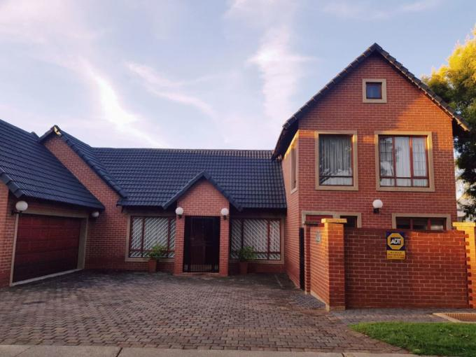 3 Bedroom House for Sale For Sale in Centurion Central (Verwoerdburg Stad) - MR385950
