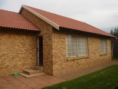 2 Bedroom House for Sale For Sale in Randfontein - Private Sale - MR39282