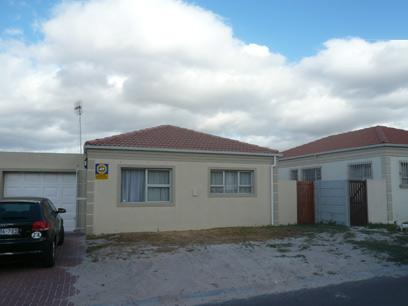 2 Bedroom House for Sale For Sale in Kraaifontein - Home Sell - MR39316