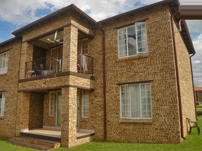 2 Bedroom Simplex for Sale and to Rent For Sale in Midrand - Private Sale - MR39321