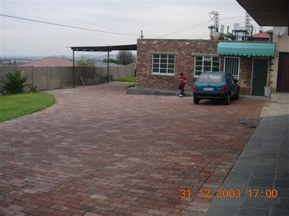 2 Bedroom Simplex to Rent To Rent in Primrose - Private Rental - MR39360