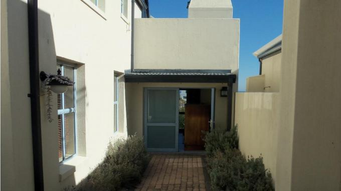 3 Bedroom House to Rent in Bloubergstrand - Property to rent - MR394252
