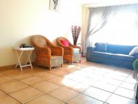 Lounges - 21 square meters of property in Germiston