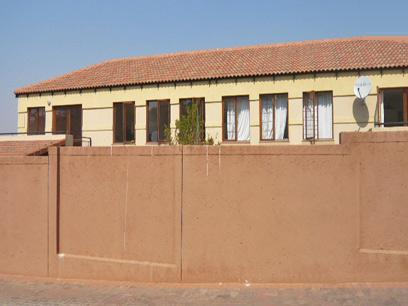 2 Bedroom Simplex for Sale For Sale in Bryanston - Home Sell - MR40269