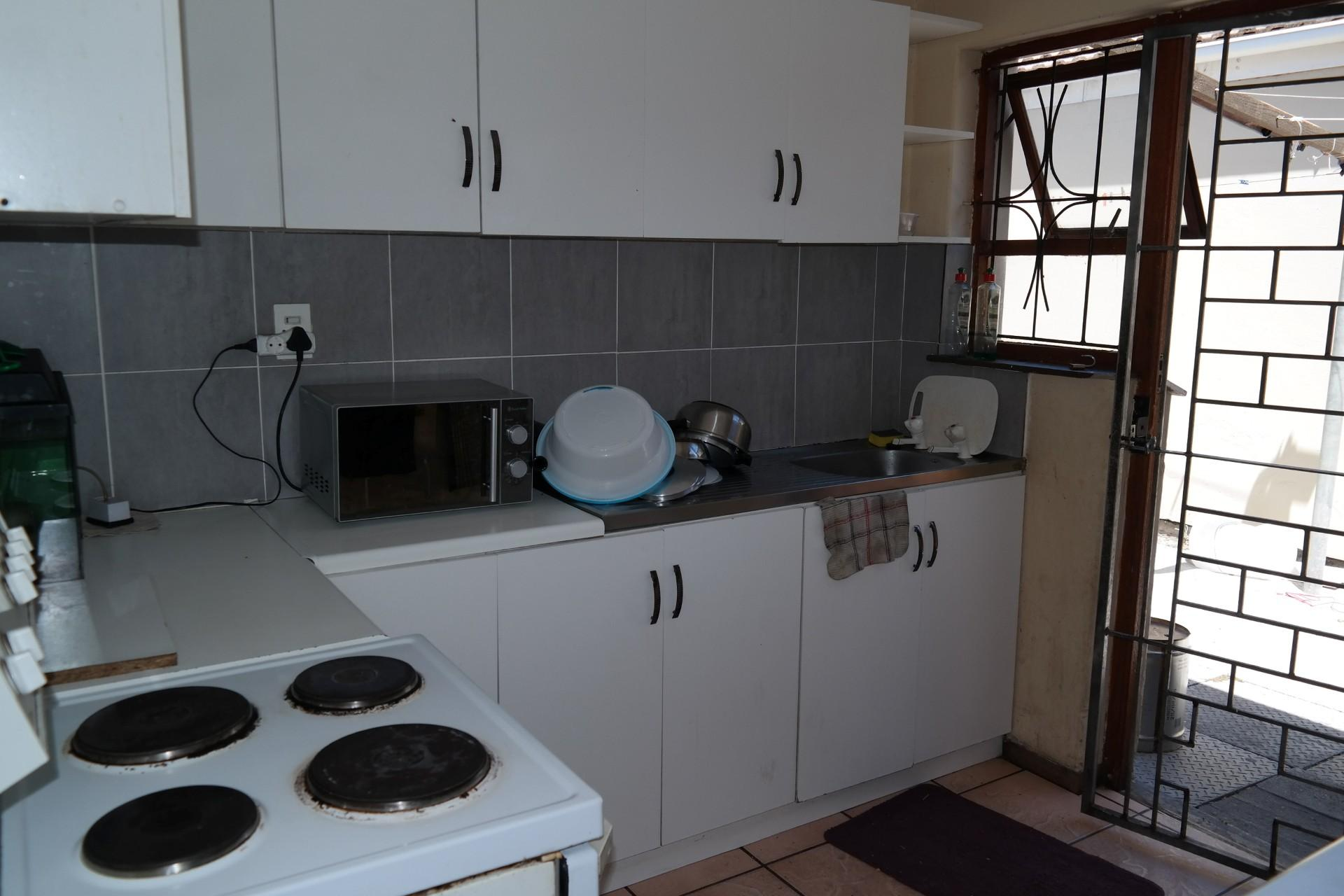 Kitchen - 9 square meters of property in Summer Greens