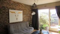 Lounges - 24 square meters of property in Alberstville