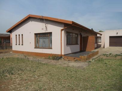 Standard Bank Repossessed 2 Bedroom House for Sale For Sale in Vanderbijlpark - MR40453