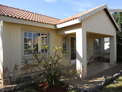 Standard Bank Mandated 2 Bedroom House for Sale on online auction in The Orchards - MR40506