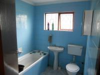 Bathroom 1 - 5 square meters of property in Avoca Hills