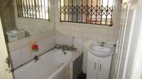Bathroom 1 - 13 square meters of property in Ennerdale