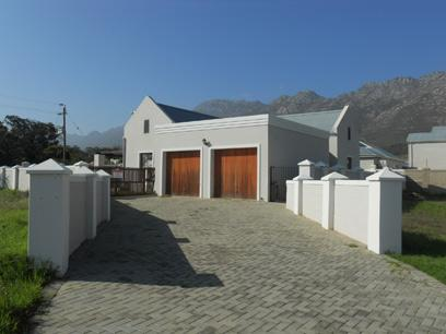 Standard Bank Repossessed 3 Bedroom House for Sale For Sale in Strand - MR40531
