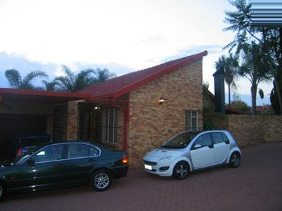 2 Bedroom Duet for Sale For Sale in Garsfontein - Private Sale - MR41103