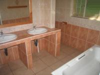 Main Bathroom - 10 square meters of property in Lynnwood