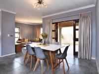 Dining Room - 19 square meters of property in Summerset