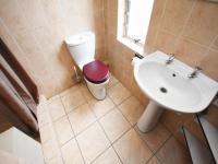 Bathroom 1 - 9 square meters of property in Dainfern