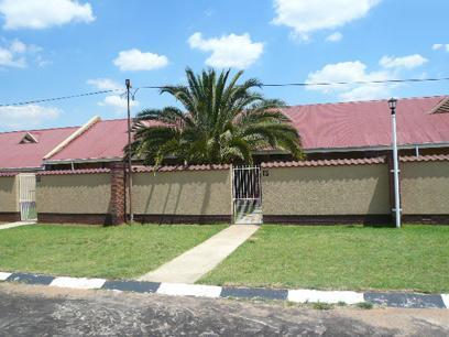 2 Bedroom Simplex For Sale in Germiston - Home Sell - MR41428