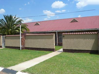 2 Bedroom Simplex For Sale in Germiston - Home Sell - MR41429