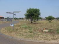 Land in Rooihuiskraal North