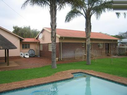 3 Bedroom House for Sale For Sale in Rietfontein - Home Sell - MR42167