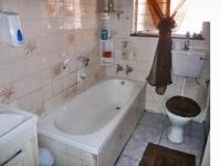Bathroom 1 - 5 square meters of property in Roodepoort
