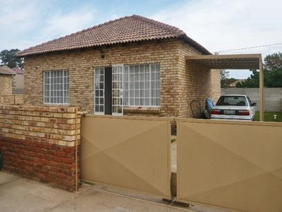 2 Bedroom Simplex for Sale and to Rent For Sale in Randfontein - Home Sell - MR42287