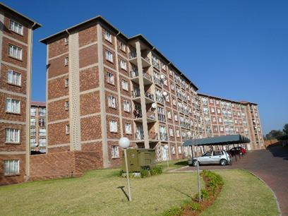 2 Bedroom Apartment For Sale in Karenpark - Private Sale - MR42362