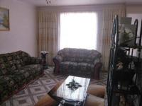 Lounges - 7 square meters of property in Lenasia