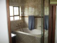 Main Bathroom - 7 square meters of property in Montana